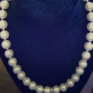 Jewelry - Pearl necklace with crystal accents